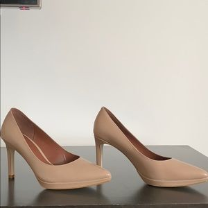 COLE HAAN shoes pumps in tan leather size 6B